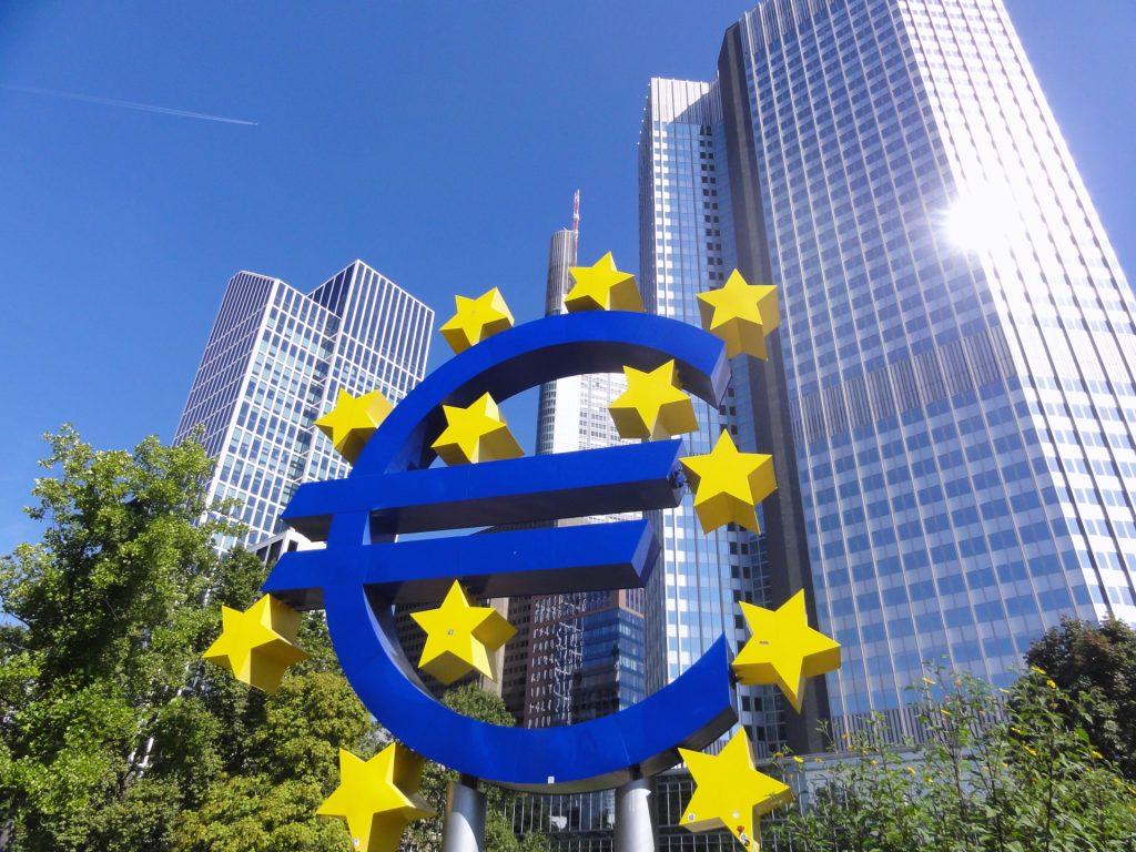 【法改正】EU向けの越境ECは原則課税へ